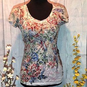 Daytrip Floral Patterned T-shirt.   107